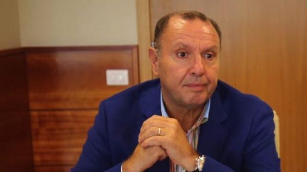 coronavirus, sanità, Giuseppe Conte, Saverio Cotticelli, Calabria, Politica