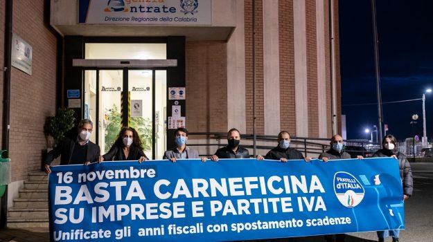 catanzaro, flash mob, Fratelli d'Italia, Filippo Pietropaolo, Wanda Ferro, Catanzaro, Calabria, Politica