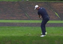 Golf, la pallina «cammina» sull'acqua e finisce in buca Lo spagnolo Jon Rahm Rodriguez ha messo a segno un hole-in-one impressionante - Dalla Rete