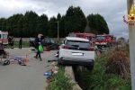 Incidente vicino Zungri: due auto distrutte, uno in bilico su un fosso - Foto