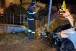 Sellia Marina, auto si schianta contro il muro di recinzione di una villa: ferita una donna