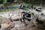 Volontari di Legambiente raccolgono oltre 700 pneumatici usati abbandonati nel Vibonese