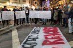 Proteste contro il lockdown in Calabria: carabiniere ferito da una pietrata a Reggio