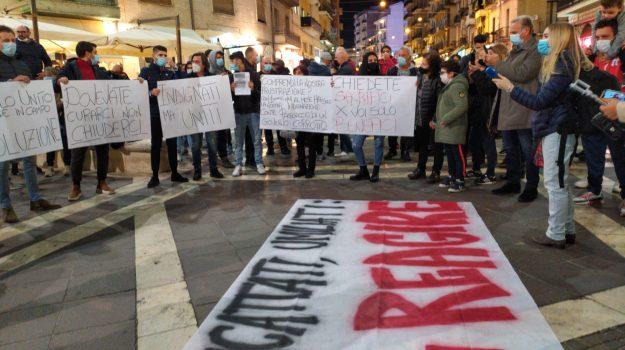 coronavirus, dpcmù, proteste, regione calabria, zona rossa, Calabria, Cronaca