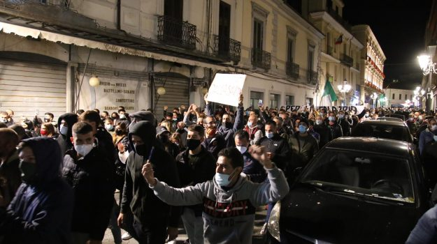 cirò marina, protesta, Catanzaro, Calabria, Cronaca