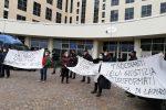 Sanità in Calabria, protesta dei tirocinanti: bloccate le strade d'accesso alla Cittadella regionale