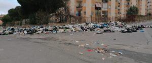 La situazione precipita: 2mila tonnellate di rifiuti sulle strade di Reggio