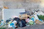 Vibo Valentia assediata dai rifiuti, la città diventa una discarica