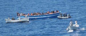Calabria, cento migranti soccorsi in mare dalla Guardia Costiera. Sbarcati a Roccella