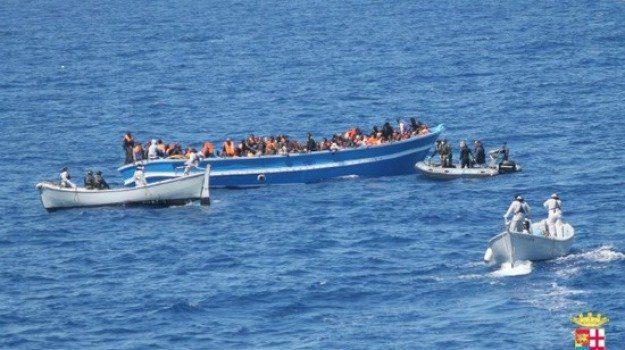 hotspot, lampedusa, migranti, Sicilia, Cronaca
