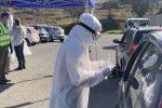 Caos tamponi a Vibo Valentia, lunghe code al drive-in di viale della Pace - Video