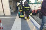 Un uomo finisce sotto un treno a Trebisacce: è grave