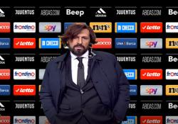 «Un allenatore trasmette entusiasmo», Pirlo e il suo imitatore? Due gocce d'acqua Per la prima volta a «Quelli che il calcio» su Rai Due il nuovo allenatore della Juve. Protagonista Ubaldo Pantani - Corriere TV
