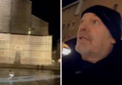 Vasco Rossi da solo in piazza Maggiore, il dietro le quinte del nuovo video in uscita Il cantautore anticipa in alcune storie su Instagram la location del nuovo singolo - Corriere Tv