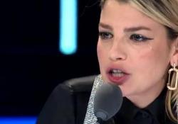 X Factor, Casadilego canta e Emma si commuove: «Vorrei prestarti i miei occhi per farti capire quanto è bello guardarti da fuori» Le lacrime della giudice e le sue parole contro il body shaming - Corriere Tv