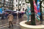 La protesta di sindacalisti e lavoratori (FOTO FRANCO ARENA)