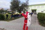 L'arrivo di Babbo Natale a scuola