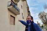 Messina, il sindaco De Luca va a raccogliere i rifiuti dei positivi al Covid