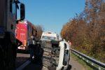 Rogliano, incidente in autostrada. Coinvolti un camion e due auto, tre feriti
