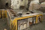 Straordinaria scoperta a Pompei: un Termopolio intatto e cibo ancora nelle pentole. LE FOTO E IL VIDEO