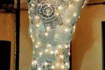 """Luci e merletti su un albero di Natale dedicato ai """"figli lontani"""" di Carfizzi"""