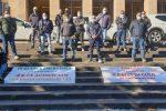 Sit-in degli ex autisti Atm davanti alla prefettura di Messina: contestati i vertici dell'azienda