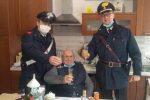 """""""Venite a brindare con me"""", la commovente richiesta di un 94enne solo ai carabinieri"""