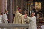 """Messa di Natale al Duomo di Messina, mons. Di Pietro: """"Non dimenticate chi soffre o è solo"""""""