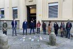 """I giovani praticanti avvocati hanno manifestato questa mattina davanti al tribunale """"vecchio"""" di Vibo"""