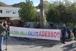 Poliambulatorio Amantea, sit-in di protesta e code chilometriche