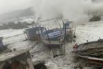 Paura a Torre Faro, diverse imbarcazioni distrutte dalla mareggiata - VIDEO