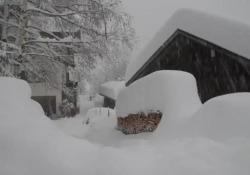 Alto Adige: in Val d'Ultimo quasi 2 metri di neve Numerose località in Alto Adige sono isolate a causa della chiusura di strade - CorriereTV