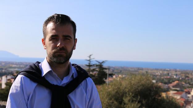 amazon, disegno di legge, regione sicilia, Antonio Catalfamo, Vincenzo Figuccia, Sicilia, Politica