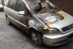Incendiata nella notte un'auto in pieno centro a Rossano