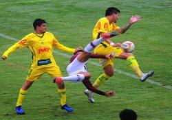 Brasile, segna con una sforbiciata al volo Tecnica e coordinazione per il gol di Giovane Gomez - Dalla Rete