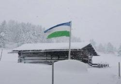 Bufera sulle Dolomiti: oltre 1 metro di neve al Campolongo Le immagini arrivano dal Passo Campolongo, tra Veneto e Alto Adige - CorriereTV