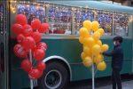 A piazza Cairoli arriva lo storico bus Atm, Babbo Natale distribuirà doni ai piccoli messinesi