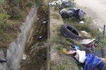 """Catanzaro, prosegue la pulizia dei canaloni colmi di rifiuti. """"Pizzicheremo questi barbari"""""""
