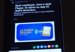 Cashback, falsa partenza: «La app Io non funziona, è un peccato» In molti hanno provato a regsitrarsi senza successo - Ansa