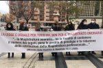 """Catanzaro, flash mob dei magistrati onorari: """"Senza diritti e tutele"""" - VIDEO"""