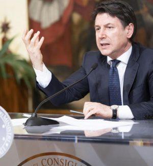 Grillo pensa ai nuovi assetti del M5S: a Conte il ruolo di leader