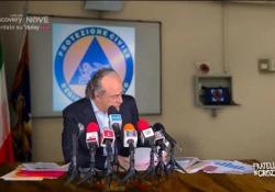 Crozza-Zaia contro il nuovo Dpcm: «Non ci puoi chiudere a Natale» Il comico nei panni del governatore del Veneto - Corriere Tv