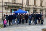 I militanti di Fratelli d'Italia in piazza Prefettura a Catanzaro