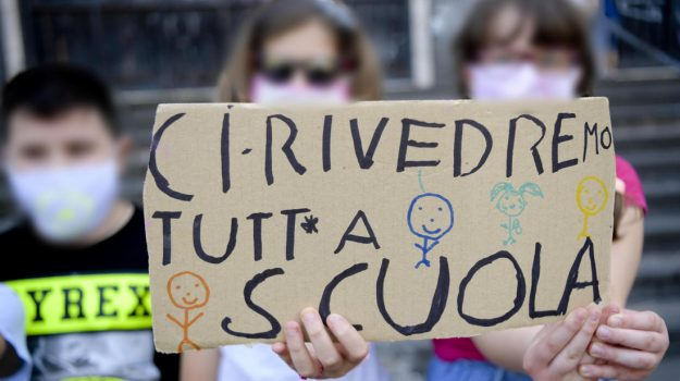 scuole sicilia, marco falcone, Nello Musumeci, roberto lagalla, Sicilia, Cronaca