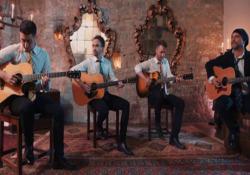 Harry Potter, il medley dei 40 Fingers in anteprima su Corriere.it Il quartetto di chitarristi acustici presenta la sua nuova rivisitazione - Corriere Tv