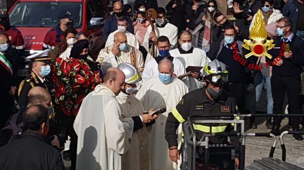 catanzaro, immacolata, ricorrenza, vigili del fuoco, Monsignor Vincenzo Bertolone, Catanzaro, Cronaca