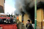 Video: incendio distrugge negozio a Terme Vigliatore