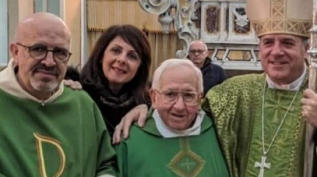 chiesa, crotone, decano, morto, Pino Covelli, Catanzaro, Cronaca