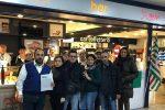 I lavoratori del bar dell'aeroporto di Lamzia che sono stati licenziati