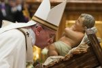 """Papa Francesco: """"Vaccino a tutti e gratis, per primi i poveri e i sofferenti"""""""
